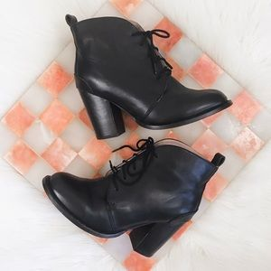 Seychelles • Black Leather Lace Up Heeled Booties